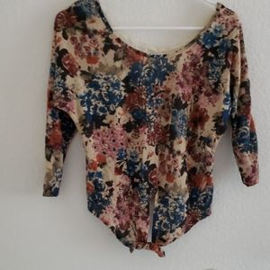 Nwt Charolette russe floral crop top sweater